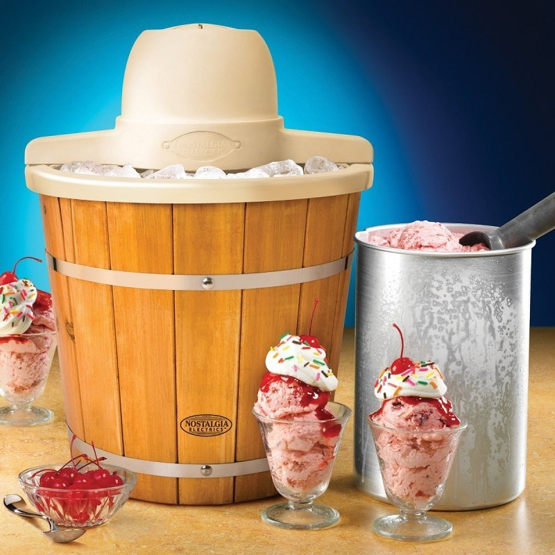 Classic Style Nostalgia Electrics Ice Cream Makers